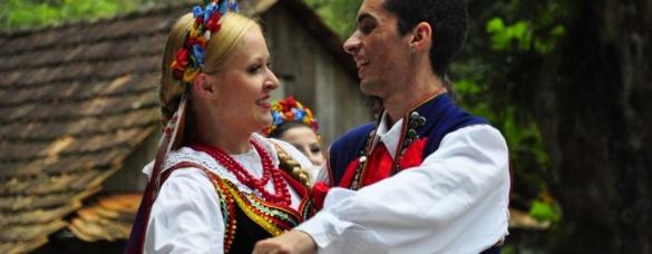 Występy zespołu Wisła oraz święconka w parku Jana Pawła II w Kurytybie 2014r